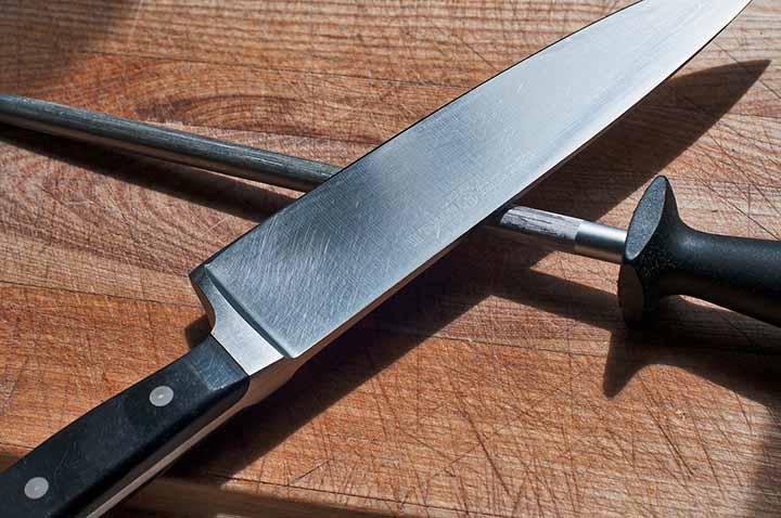 I kockkniv och en knivslip