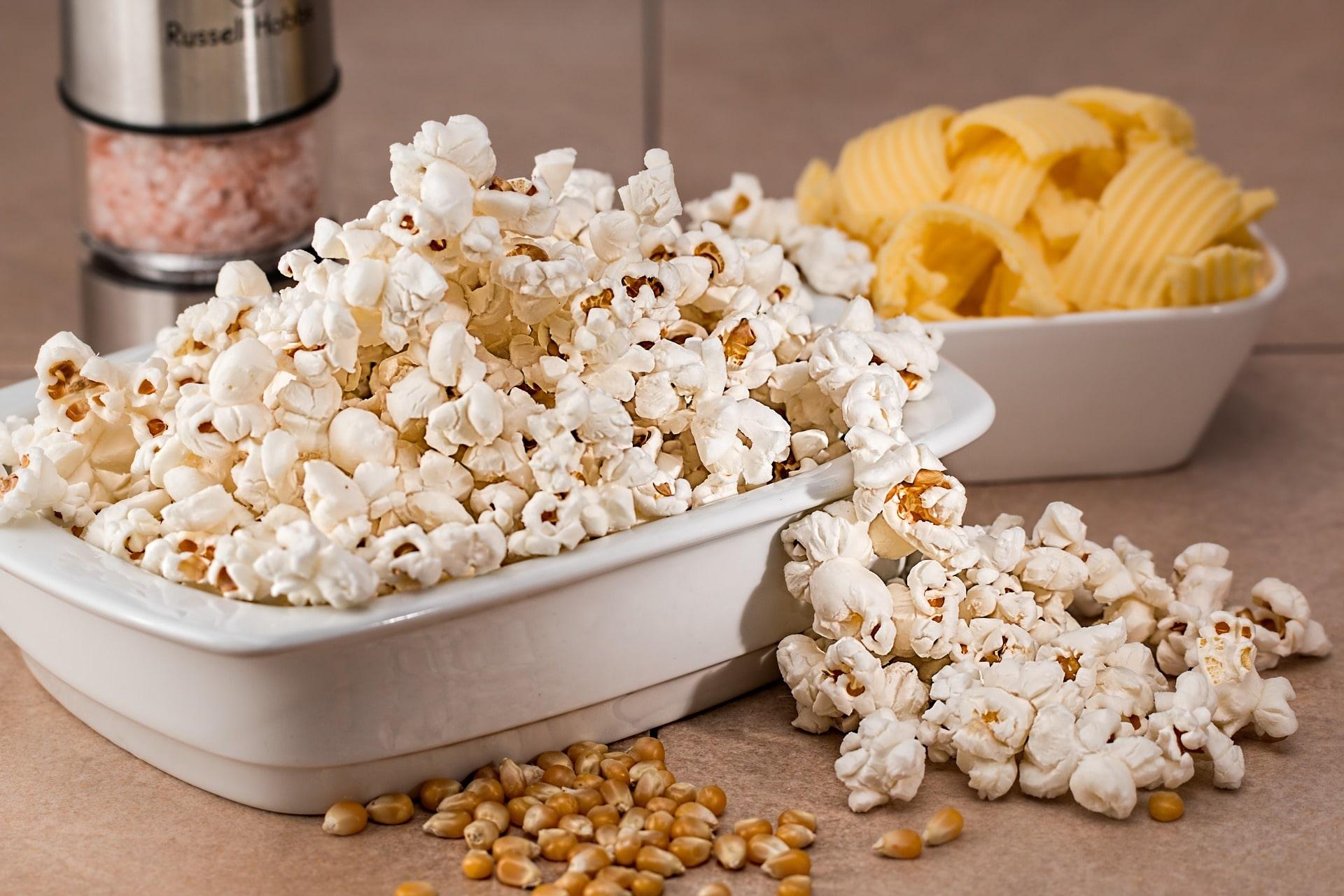 poppa popcorn på spisen